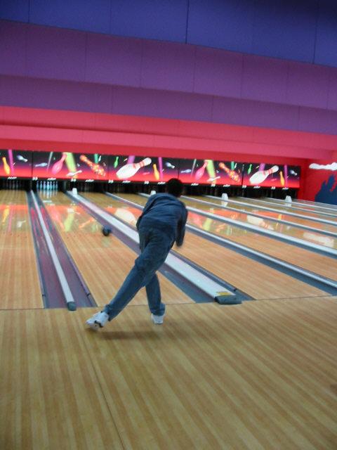 bowling052002-2.jpg