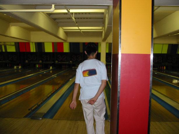 bowling061402-4.jpg