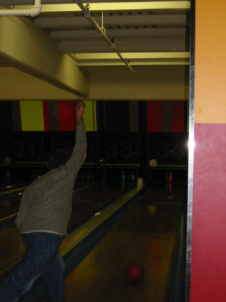 bowling061402.jpg