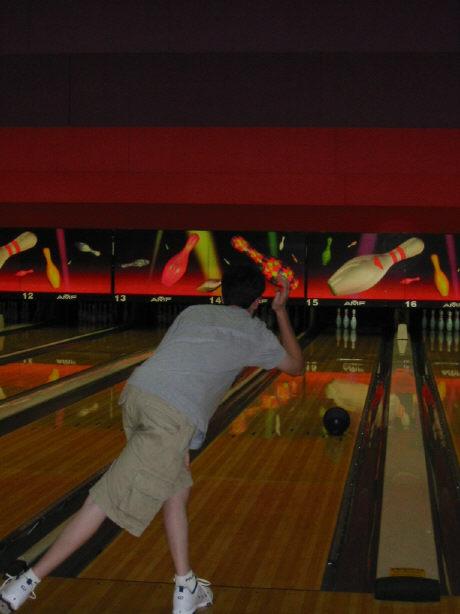 bowling062002-2.jpg