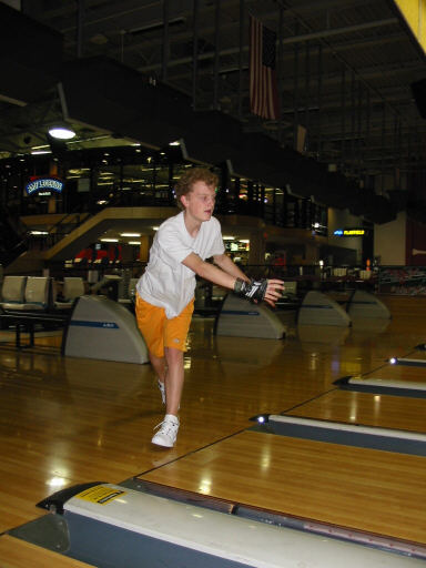 bowling062702-7.jpg